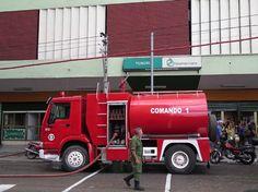 #Se incendia la tienda Yumurí - Cubanet: Cubanet Se incendia la tienda Yumurí Cubanet LA HABANA, Cuba.- Sobre las 11 y 45 de la mañana de…