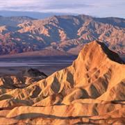 The United States has 59 protected areas known as national parks, which are operated by the National Park Service, an agency of the California Tourist Attractions, Road Trip Across America, Death Valley National Park, Us National Parks, Park Service, Road Trip Usa, Beautiful Places, Places To Visit, Tours