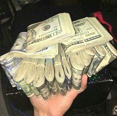 Dinero a manos llenas para mí....así de simple