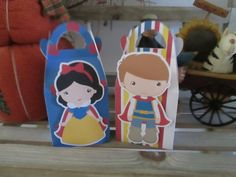 Snow and Her Guy  Inspired Gable Favor Boxes Set of 12 by zbrown5