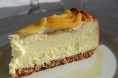 Cheesecake de limón bajas calorías con salsa de frutillas
