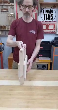 Folding Furniture, Space Saving Furniture, Furniture Projects, Wood Furniture, Woodworking Techniques, Easy Woodworking Projects, Woodworking Furniture, Woodworking Plans, Unique Woodworking