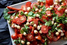 Caprese Salad, Sushi, Ethnic Recipes, Food, Essen, Meals, Yemek, Insalata Caprese, Eten