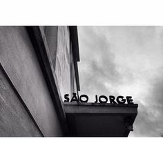 filmmakerlifeincolors:    Cinema S. Jorge #cinema #sãojorge #igers_lisboa    #lisboa #lisbon #lisbonlovers   #MyTravelGram  #igersportugal #bnwlife #streetphotograph_bw #streetphoto_bw #bnw_portugal  #blackandwhitephotography  #bnw_city #irox_bw #bnw_lover  #instagood #instagram #instamood #igmasters  (at Cinema São Jorge)