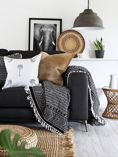4 Dumbfounding Tricks: Natural Home Decor Boho Chic Bohemian organic home decor inspiration texture.Organic Home Decor Living Room Couch organic home decor modern rustic.Organic Home Decor Inspiration Texture. Decor, Home Living Room, Black And White Living Room, Home Decor, Room Inspiration, House Interior, Interior Design, Living Decor, Home And Living