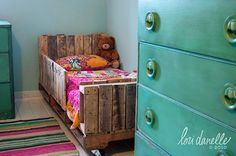 Home Ideas , Top 10 Wood Pallet Projects for your House : Wood Pallet Projects Kids Bed