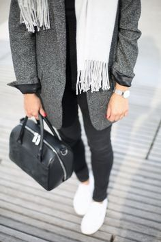 SCARF SEASON | Fiona from thedashingrider.com wears Zara Blazer, Topshop Skinny Jeans, a bag from & Other Stories and Superga Sneakers #ootd #whatiwore