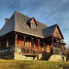 adrianoianu #romania Rural House, Dream Properties, Vernacular Architecture, Wooden House, Beautiful Architecture, Traditional House, Old Houses, Building A House, House Plans