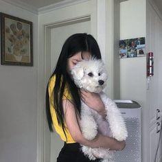 Korean Girl Photo, Korean Girl Fashion, Cute Korean Girl, Asian Girl, Uzzlang Girl, Girl And Dog, Photography Poses Women, Girl Photography, Girl Pictures