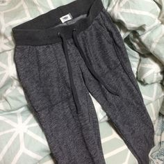 nwot womens gray joggers new without tag just never worn! feel free to use the offer button Old Navy Pants Track Pants & Joggers