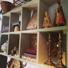 Shop: van houtkleur naar olijfgroen#kast#pmbrocantelifestyle #pieternella #hethollandschehuys #diepenheim #raadhuisstraat #brocante #brocantemetkleur #vintage #kleur #interieur #interior #shabby #stylen by pm_brocantelifestyle