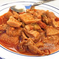 Aquí tienes dos recetas de menudo (callos a la andaluza), la receta tradicional y la que preparaba la abuela María.