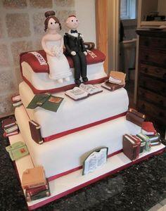 Book Wedding Cake Não deixa de ter graça já que ambos gostam tanto de livros:D