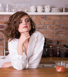 #girl #dziewczyna #modelka #model #modeling #portrait #portret #women #kobieta #urzadfotografii #śniadanie #kuchnia #breakfast #kitchen #sok #juice #beauty