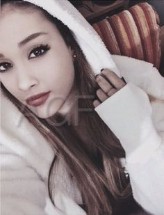 i miss up till 2013 ari, she needs to undertsand her fans are kids Ariana Grande Facts, Ariana Grande Pictures, Frankie Grande, Ariana Grande Dangerous Woman, Face Swaps, Zoella, Star Girl, Celebrity Outfits, Carrie Underwood