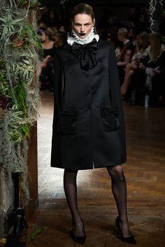 Giles Fall 2015 Ready-to-Wear Fashion Show - Andreja Pejic (Storm)