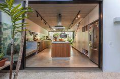 Galeria de Casa Geminada / CR2 Arquitetura - 5