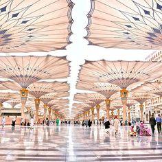 الحرم النبوي الشريف، المدينة المنورة، السعودية AlMasjid Alnabawi, Medina, Saudi Arabia By han_duro @ www.batuta.com
