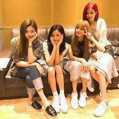 Your source of news on YG's current biggest girl group, BLACKPINK! Kim Jennie, Jenny Kim, Yg Entertainment, Forever Young, South Korean Girls, Korean Girl Groups, Girl Celebrities, Celebs, K Pop