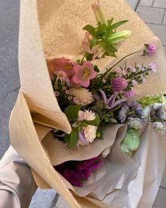 Flowers Nature, My Flower, Beautiful Flowers, Pink Flowers, Spring Aesthetic, Flower Aesthetic, Planting Flowers, Floral Arrangements, Ideas