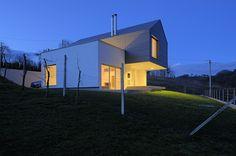 http://leibal.com/interiors/residential/gv17-house/