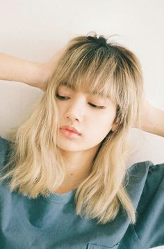 || Lalisa Manoban || Luna Graham. Oh, what a sweet girl. She wont say mean words aainst you, or against anyone, even the people she hates the most-in the non-probable cse she hates someone- and Luna will do her best to cheer he others up. What she is here for? Hm, being a three, she is a librarian, and always loved books. Since she is a child she read about fairytales, and wishes to live her own. Not becoming a princess, but finding her prince charming [more in comments]