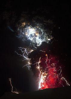 lightning-storm-volcano