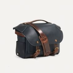 Leather Handle, Tan Leather, New Bag, Vegetable Tanned Leather, Natural Leather, Shoulder Pads, Studs, Bag Design, Collection