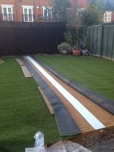 Fitting artificial grass