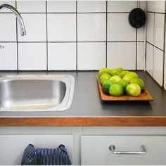 50-luvun keittiö 03 Wooden Kitchen, Vintage Kitchen, Interior Design, Retro, Dancing, Interiors, Home Decor, Holiday, Timber Kitchen