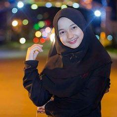 Beautiful Muslim Women, Hijab Chic, Hijab Outfit, Hijab Fashion, Womens Fashion, Beauty, Instagram, Drawing Faces, Ulzzang