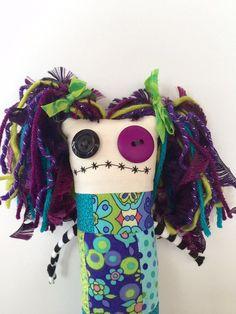 Ugly Dolls, Creepy Dolls, Cute Dolls, Diy Voodoo Dolls, Quilt Corners, Ugly Animals, Cute Zombie, Zombie Dolls, Monster Dolls