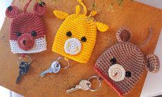 Key Diy, Key Covers, Crochet Hats, Blog, Relleno, Hearts, Fabric Strip Banner, Fabric Necklace, Crochet Keychain