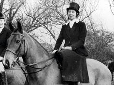 Hunting world says farewell to side saddle rider Lady Margaret Fortescue via horse & hound