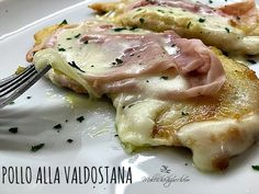pollo alla valdostana Italian Recipes, Beef Recipes, Cooking Chef, Tortellini, Ravioli, Biscotti, Food Art, Pork, Food And Drink