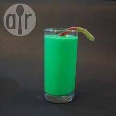 Der Grüner Schleim Shake (Halloween Drink) ist perfekt für die Halloween Party und vor allem bei Kindern sehr beliebt @ de.allrecipes.com