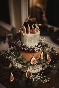 A Glamorous Four-Day Party at Trudder Lodge: Áine & Joe rustic autumn wedding cheese cake Mint Wedding Cake, Fancy Wedding Cakes, Floral Wedding Cakes, Wedding Cake Rustic, Lodge Wedding, Wedding Cake Designs, Wedding Cake Toppers, Wedding Ideas, Wedding Events
