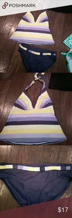 """Liz Claiborne Tankini s16 navy, periwinkle &yellow Cute Liz Claiborne Tankini set sz 16.. halter style top w/ navy blue periwinkle cream& pale yellow strips with navy full cut btms with """" coordinating striped 1/2 belt"""" on hip top  bought at end of season for an unexpected beach trip so wore maybe 4-6Xs New $59.  Asking $17 OBO Liz Claiborne Swim Bikinis"""