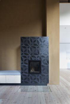Karak › Camini a legna con design moderno › Fumista dall´Alto Adige Stove Fireplace, Fireplace Design, Built In Ovens, Colorado Homes, Handmade Tiles, Building Materials, Interior Inspiration, Habitats, New Homes