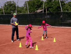 Best online tennis instruction for beginning and intermediate level players; learn how to play tennis; kids tennis lessons and fun on-court tennis games.