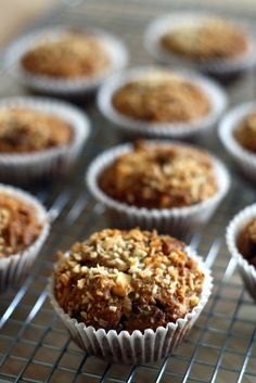 whole wheat chocolate chip muffins- These look so delicious! I'm going to add some wheat germ to these :T Healthy Sweets, Healthy Baking, Healthy Food, Healthy Recipes, Cake Cookies, Cupcakes, Choco Chips, Chocolate Chip Muffins, I Love Food