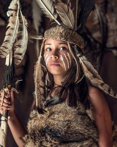 Image may contain: one or more people and outdoor American Indian Girl, Native American Girls, Native American Pictures, Native American Beauty, Native American History, Native American Face Paint, Jimmy Nelson, Tribal Makeup, Native American Headdress