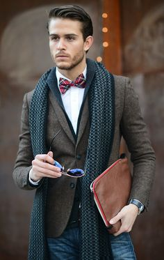 Fall / winter - Casual style - Spread collar white shirt + red plaid bow tie + brown belt + jeans + dark grey knitted scarf + aviators iamgalla.com