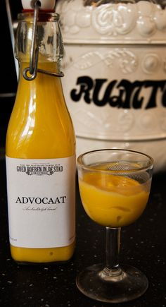 Advocaat with whipped cream; Booze Drink, Cocktail Drinks, Alcoholic Drinks, Beverages, Food And Drink, Cocktails, Smoothie Drinks, Smoothies, Dutch Recipes