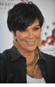 Casual Short Pixie Hairdo with Short Bangs Women Kris-Jenner-Hairstyl Hair Cuts For Over 50, Hair Styles For Women Over 50, Short Hair Cuts For Women, Short Hair Styles, Short Cuts, Short Hair Over 60, Celebrity Short Hair, Celebrity Hairstyles, Kris Jenner Hairstyles
