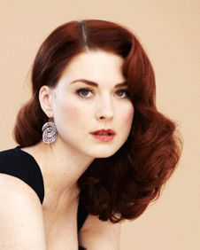 Love her old fashioned look Beautiful Redhead, Beautiful People, Pale People, Alexandra Breckenridge, Hair Rainbow, Auburn, Light Skin, Brunette Hair, Hair Goals
