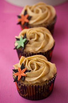from Cupcakes Are My New Love: Still Autumm - Apple & Cinnamon Cupcakes - Makes 8 Cupcakes