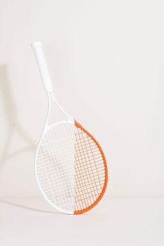 White and orange tennis. Tennis Tips, Le Tennis, Tennis Funny, Tennis Clubs, Tennis Racket, Cadre Photo Polaroid, Tennis Wallpaper, Tennis Photography, Photography Ideas