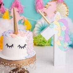 THIS. MacKenzie's smash cake!