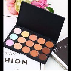 HOT 15 Colors Beauty Contour Kit includes sponges. HOT 15 Colors Beauty Contour Face Cream Makeup Concealer Also included 4pcs Makeup Foundation Beauty Sponge Blender. Makeup